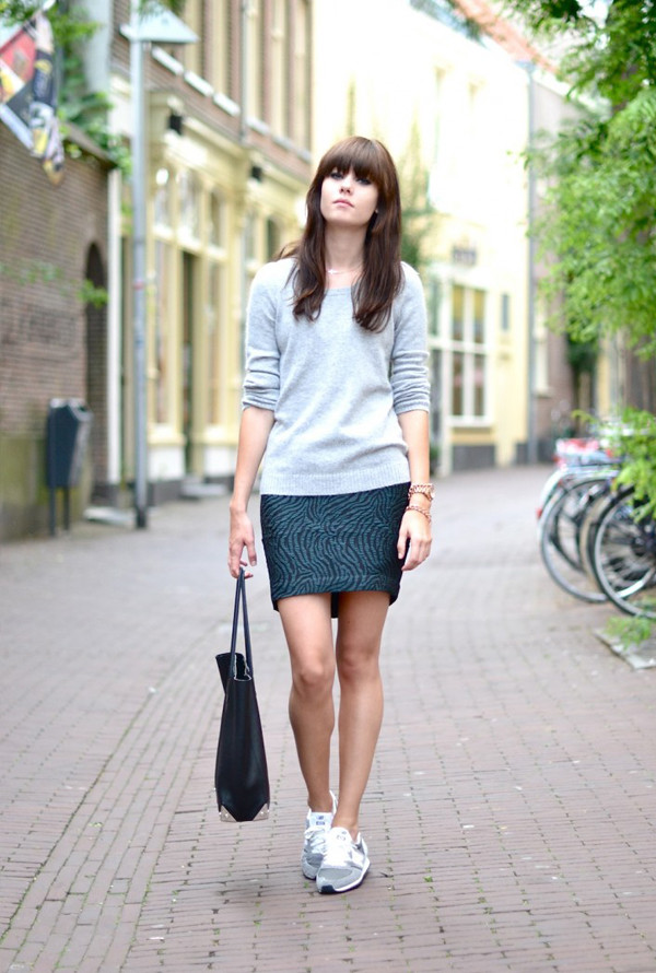 chics_kicks_skirt_streetstyle_sneakers_trainers