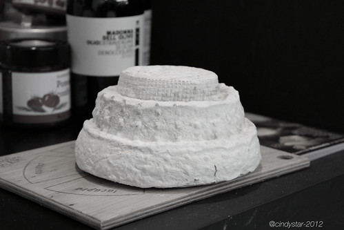 montebore cheese-wedding cake style
