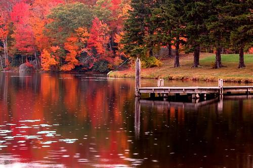 autumn lake mountains reflections nc north banner carolina elk