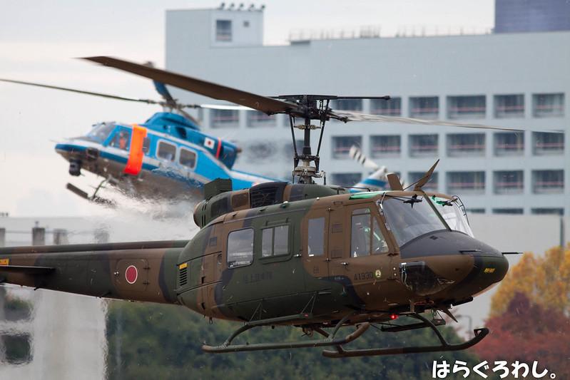 """EH UH-1J #41930 & MPD Bell412 JA6726 """"Otori-5"""" @ Tokyo Camp Tachikawa"""