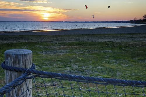 yellow kitesurfing pinks beachgoldenhourlakestclairmetroparkmetrobeachsunsetharrisontownshipmihdr3exp flickr12days