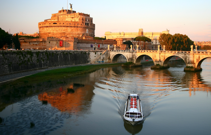Rome image of the Tiber River