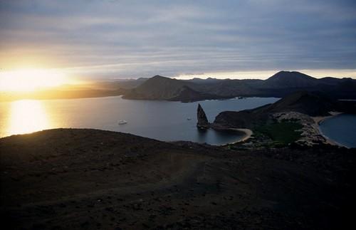 Bartholomew Island, Galapagos (by: Derek Keats, creative commons)