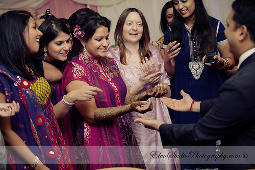 Indian-wedding-photographer-Henna-night-V&A-Elen-Studio-Photograhy-039