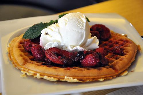 Frutas del bosque waffle