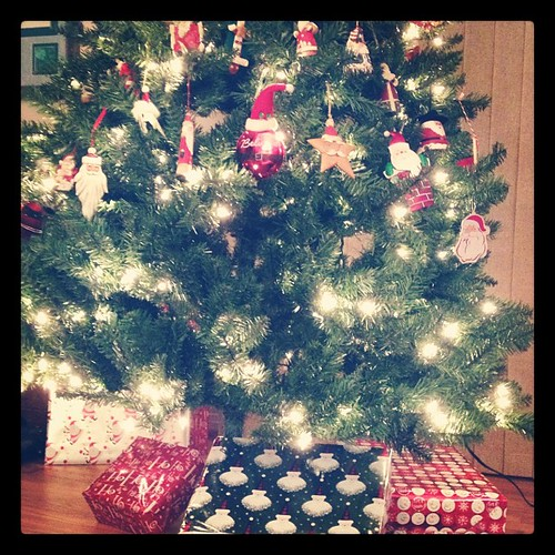 Nov 28, 2012 - there's presents under our tree! :)