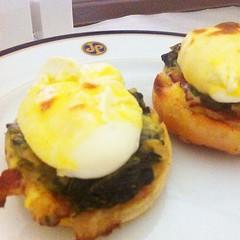 meal, breakfast, brunch, egg, food, dish, breakfast sandwich, cuisine,