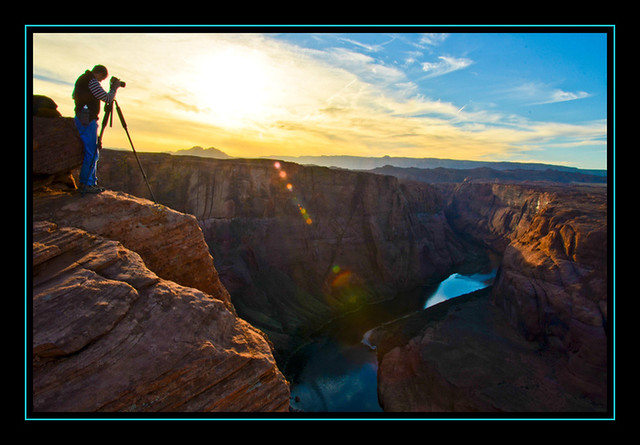 Taking the shot @ Horseshoe Bend