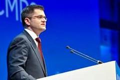 聯合國大會主席Vuk Jeremic在杜哈舉辦的聯合國氣候談判會議中向代表們致詞(攝影:Mark Garten)