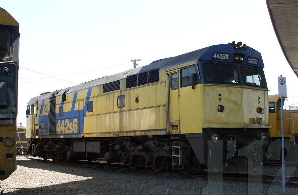 442S6 @Dynon ~10.12.12 by James 460