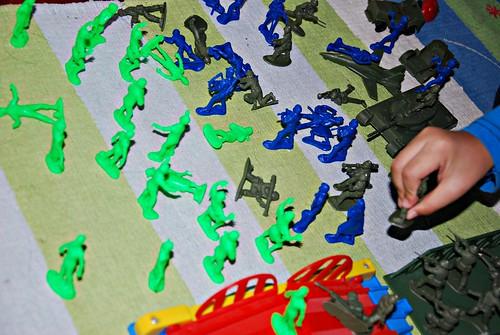 EMCE Toys: Zombies vs Zombie Hunters