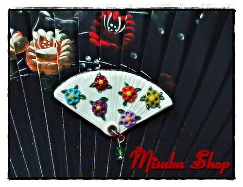 Broche Abanico Blanco Con Florecillas De Colores