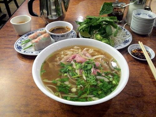 Phở Tai Sach