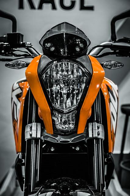 20121113_01_KTM 200 DUKE