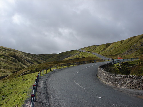The Buttertubs Pass reaches for the sky