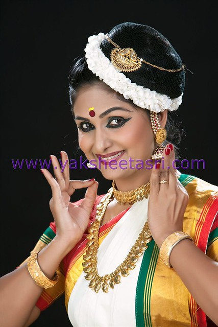 bharatanatyam hair style bharathanatyam hair makeup chennai flickr photo 8134 | 8184813585 b210783739 z