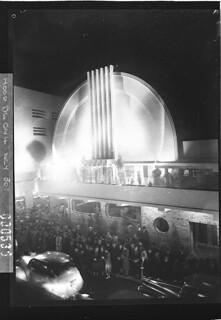 Minerva Theatre, Potts Point and Kings Cross, Sydney, May 1939 / photographer Sam Hood
