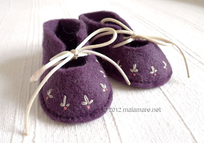 hand embroidery lazy daisy stitch aubergine baby felt shoes
