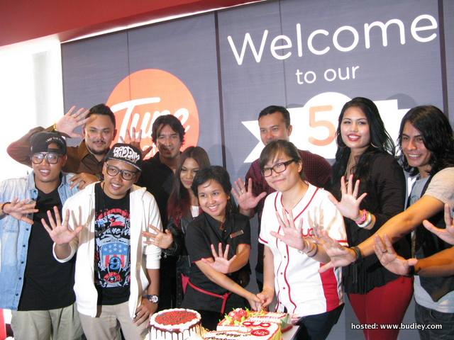 Tune Hotels & Gua's 5th Anniversary Celebration with Nicholas Saputra and popular Malaysian artistes