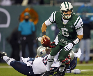 New England Patriots beat the New York Jets 49-19 on thanksgiving day