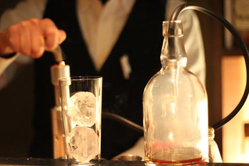 bar cacoi(バーカコイ)_香りを付けたお酒1