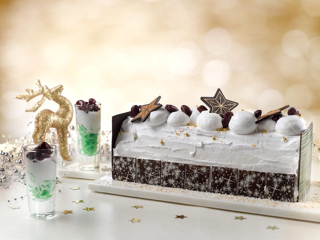 Peranakan style gula melaka 'chendol' log cake