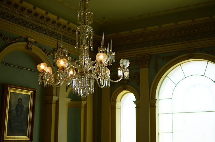 societea chandelier