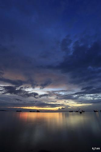 longexposure blue sunset sky seashore