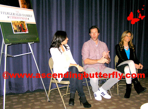 The Moms intro Ed Burns Fitzgerald Family Christmas Mamarazzi 06 WATERMARKED