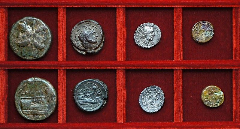 RRC 313 L.MEMMI GAL Memmia bronzes, RRC 314 L.COT Aurelia denarius, RRC 315 L.H.TVB Hostilia uncia, Ahala collection, coins of the Roman Republic