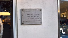 Photo of Grey plaque number 41864