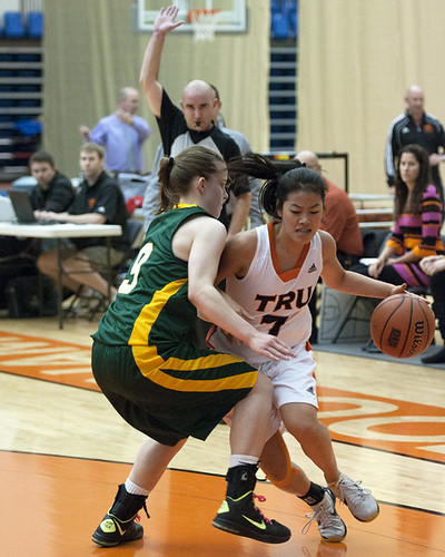 Jen Ju takes on UNBC defender (Nov 2, 2012 George Wycherley)