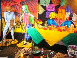 Altar de muertos a trabajadores agrícolas temporales fallecidos realizado por Enlace