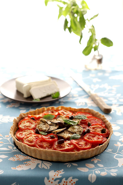 Tomatoes and tahini tart