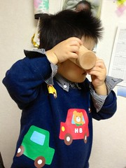 カメラを構えるとらちゃん (2012/11/17)
