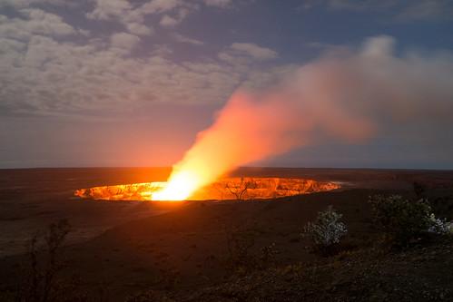 Day 2: Kilauea magma glow