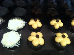 Pretty mini cupcakes at Chicago's Sugar Bliss Cake Boutique by Rachel from Cupcakes Take the Cake