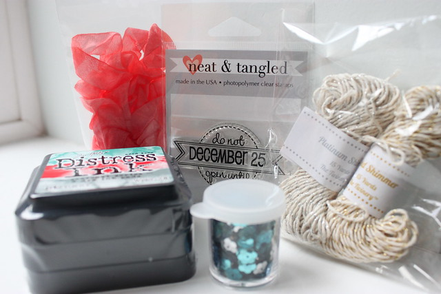 Neat and Tangled Holiday Giveyway