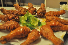 buffalo wing, fried food, chicken tikka, barbecue chicken, tandoori chicken, food, dish, cuisine, fried chicken,