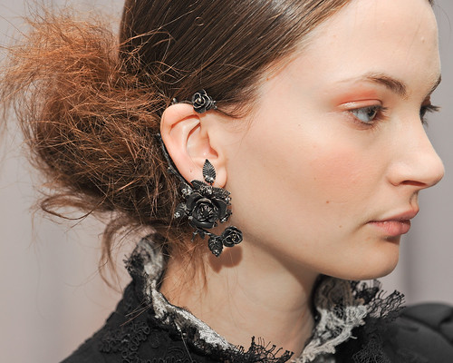 marchesa-fall-2011-07-ear-cuff