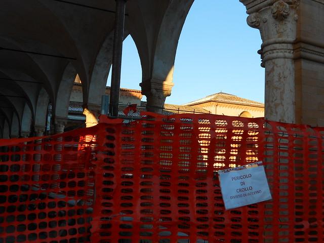 chiostro e terremoto a Ferrara