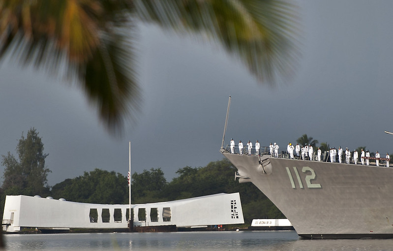 USS Michael Murphy conducts a pass-in-review by the USS Arizona Memorial during the 71st Anniversary Pearl Harbor Day