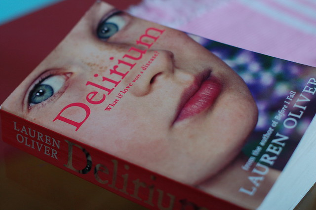 Reading Delirium by Lauren Oliver