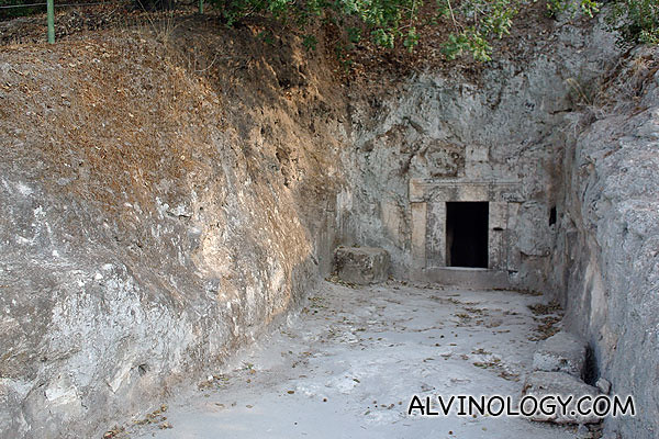 The Lulavim Cave