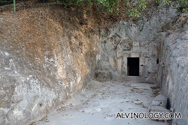 The Lulavim Cave