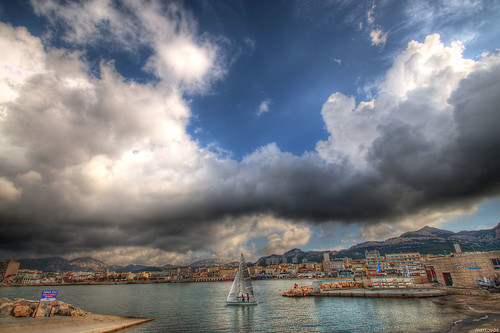 sky france clouds sailboat port boat marseille sailing ciel provence nuages hdr voilier dinghy 3xp 5o5 pointerouge dériveur