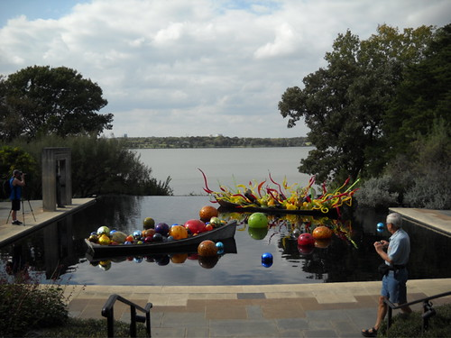 Chihuly on the lake
