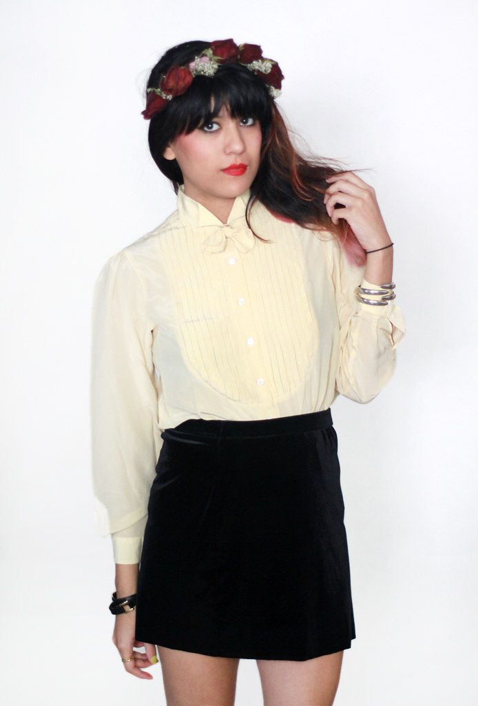 Tarte Vintage silk button-up blouse with bow tie and pleats