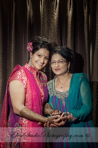 Indian-wedding-photographer-Henna-night-V&A-Elen-Studio-Photograhy-012