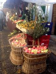 Frutas en la feria de Caimari